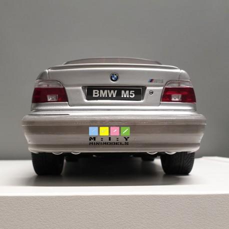 BMW E39 standard rear bumper